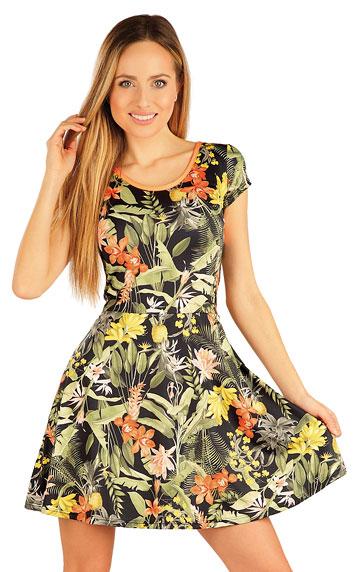 Šaty dámske s krátkym rukávom.