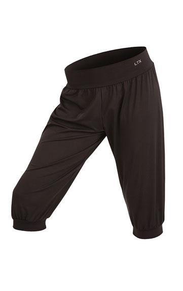 Nohavice dámske 3/4 s nízkym sedom.