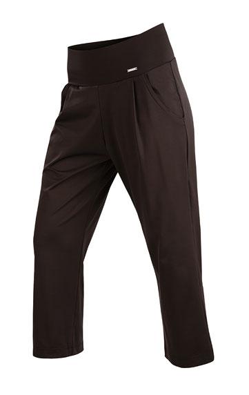 Nohavice dámske v 7/8 dĺžke.