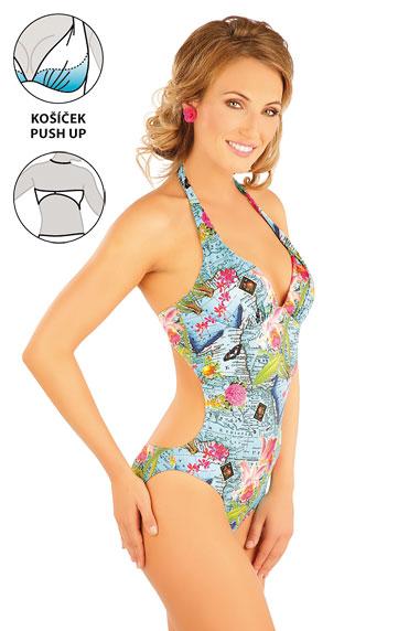 Jednodielne plavky s košíčkami push-up.
